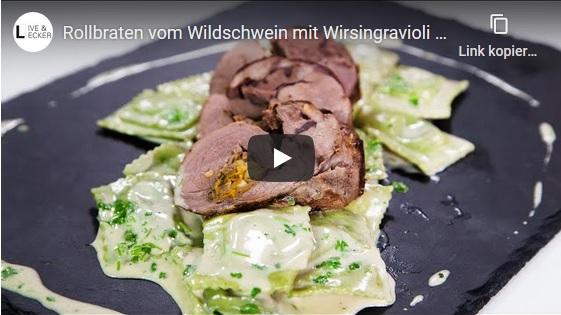 Rollbraten vom Wildschwein mit Wirsingravioli und einer Specksoße - Rollbraten vom Wildschwein mit Wirsingravioli und einer Specksoße